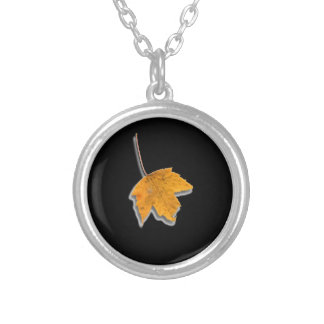Leaf Round Pendant Necklace
