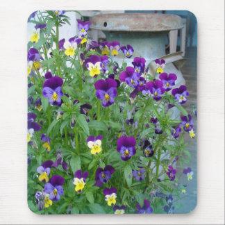 LeAnn's Violets Mousepad
