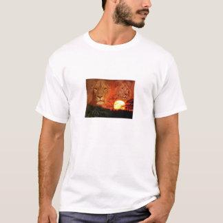 leao5_0p3i6 T-Shirt