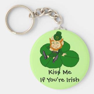 Leprechaun Shamrock - Kiss Me If You're Irish Basic Round Button Key Ring