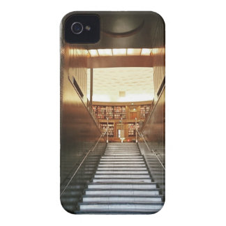 Library staira iPhone 4 cover