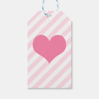 Light pink heart gift tags