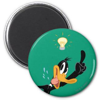 Lightbulb over DAFFY DUCK™'s Head 6 Cm Round Magnet