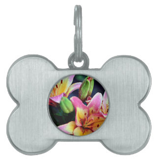 Lilies with Rain Pet Name Tag