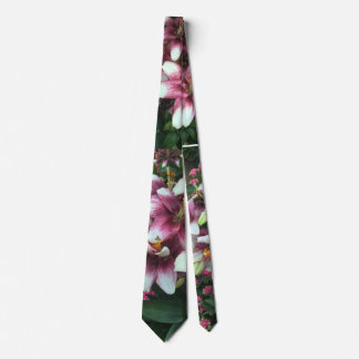 Lilly Tie