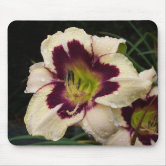 Lily mouse pad