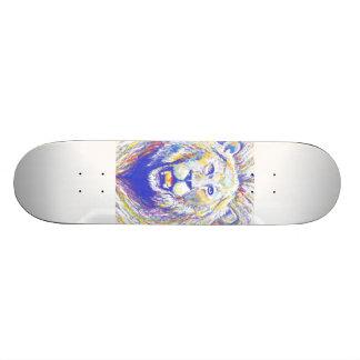 lion spraypaint skate board