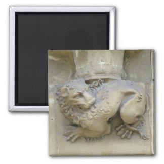 Lion statue square magnet