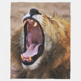 LION YAWN FLEECE BLANKET