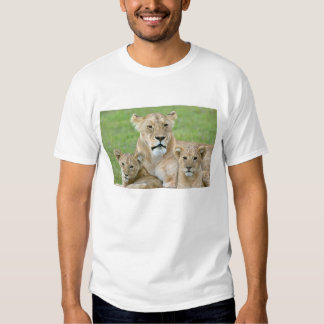 Lioness and Two Cubs, East Africa, Tanzania, T Shirt