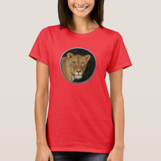 Lioness has her eyes on you 2 T-Shirt