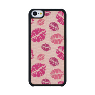 Lipstick Kiss Shape Pattern Carved® Maple iPhone 5C Case