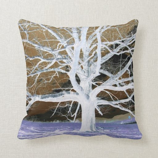 Lisa's Tree - American MoJo pillow