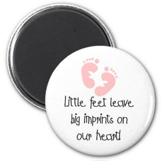 Little Feet Big Imprints Pink 6 Cm Round Magnet
