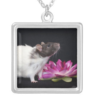 Little Flower - Rat Necklace