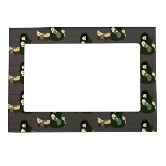 Little Mary and Baby Jesus in Green Magnetic Frame