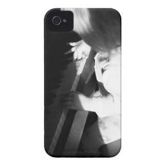 Little pianist iPhone 4 cases