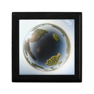 Little planet lake small square gift box