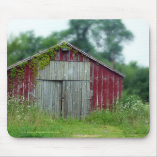 little red shed mouse pad