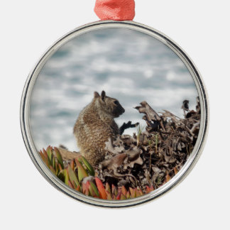 Little squirrel metal ornament