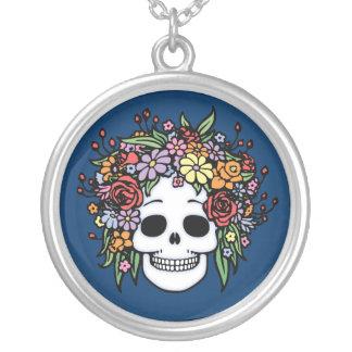 Live Head Round Pendant Necklace