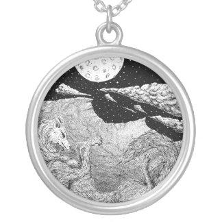 Lobo Round Pendant Necklace