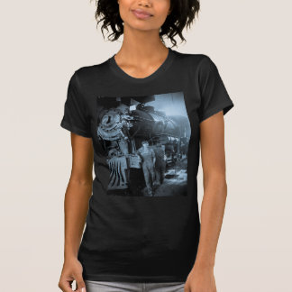 Locomotive Ladies Roundhouse Rosies World War I T-Shirt