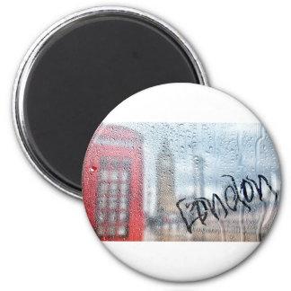 London Phone Booth Graffiti 6 Cm Round Magnet