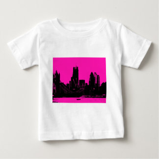 London skyline pink - digitally altered baby T-Shirt