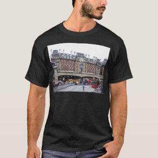 London--Victoria--[kan.k].JPG T-Shirt