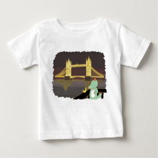 Lonson bridge, cute animals illustration baby T-Shirt