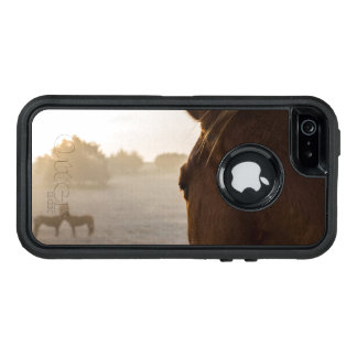 Looking Onward OtterBox iPhone 5/5s/SE Case