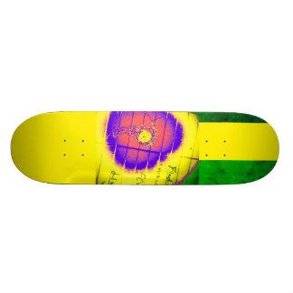 LooneySkull- Grunge: Focus Skateboards