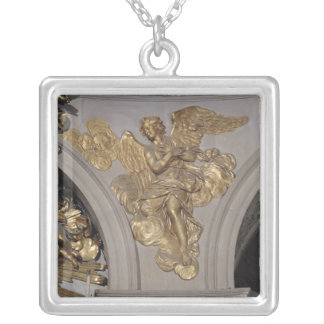 Louis XIV style angel, from the arch to the Pendant