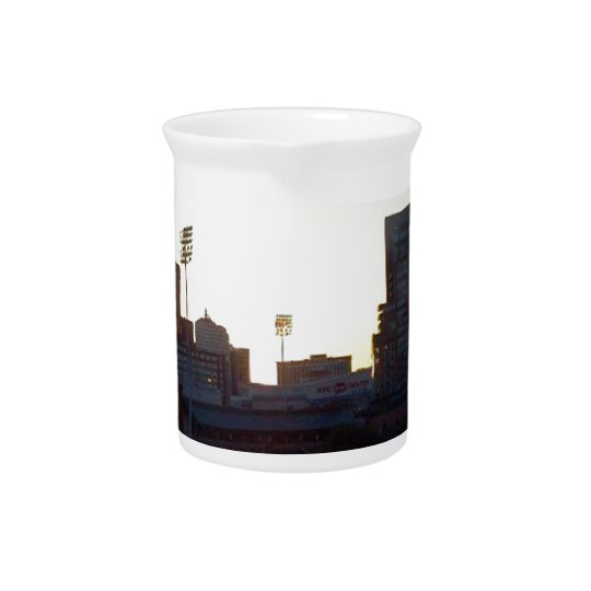 """LOUISVILLE, KENTUCKY CITY SKYLINE DRINK PITCHER"" BEVERAGE PITCHERS"