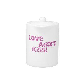 love adore kiss