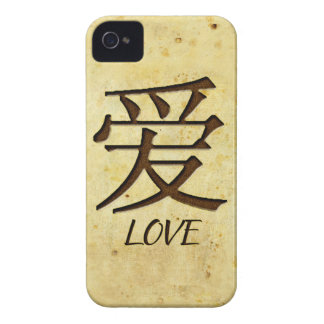 Love iPhone 4/4S Case Mate Barely There