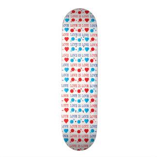 LOVE is LOVE II 21.6 Cm Skateboard Deck