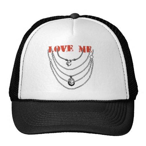 LOVE ME - CHAIN HEART CHROME PRINT TRUCKER HAT