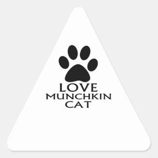 LOVE MUNCHKIN CAT DESIGNS TRIANGLE STICKER