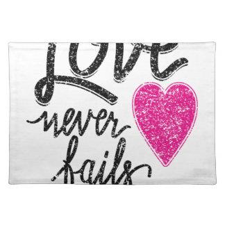 love never fails, vintage heart placemat