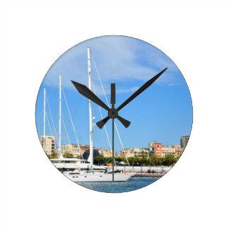Love sailing round clock