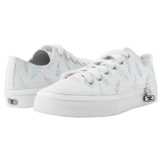 Low top shoes with pencil feathers printed shoes