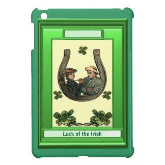 Luck of the Irish - Couple in a horseshoe iPad Mini Cases