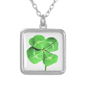 Lucky 4 leaf clover necklace