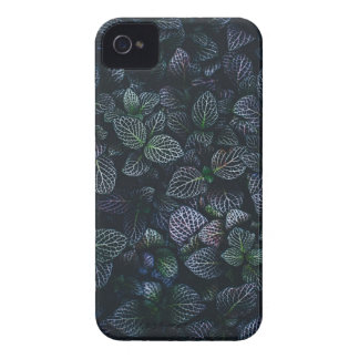 Luminous Neon Leaves iPhone 4 Cover