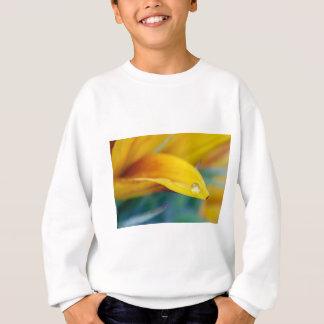 Macro drop on the sunflower petal sweatshirt