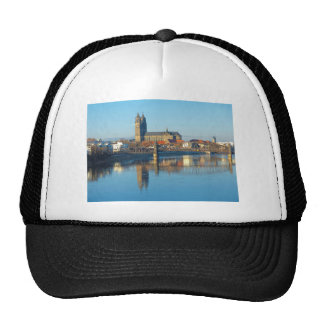 Magdeburg Cathedral with river Elbe 01 Cap