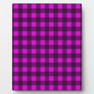 Magenta plaid pattern plaque