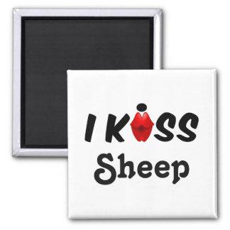 Magnet I Kiss Sheep